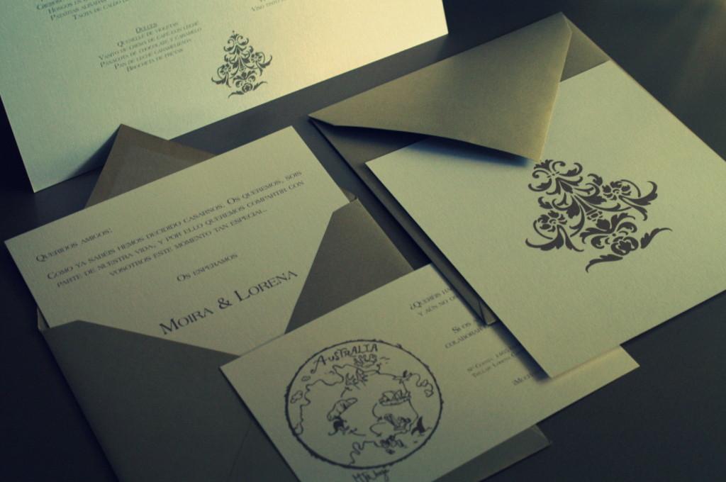 Invitaciones de boda modernas en blanco y oro
