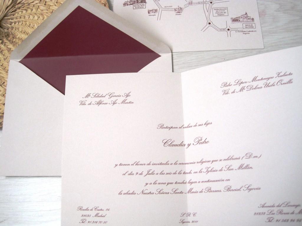 Invitaciones de boda con sobre forrado color vino